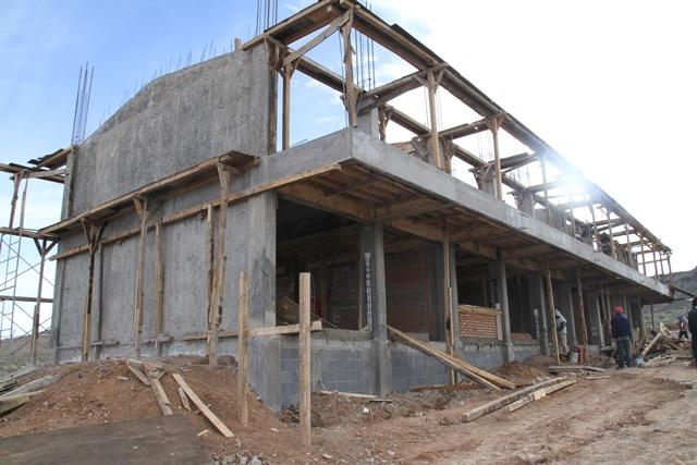 Iad inicia infraestructuras para producci n ovicaprina for Proyectos de construccion de escuelas